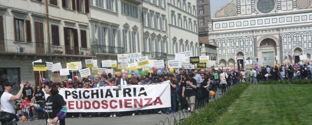 Actie tegen psychiatrisch congres, Florence, 1 april 2017.